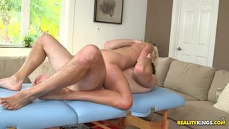 Big boobed Kali Kavalli is exquisite and she reaches a massive agonorgasmos quickly